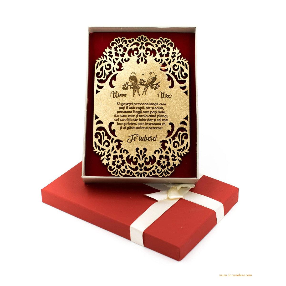 Felicitare din lemn personalizata - Porumbei
