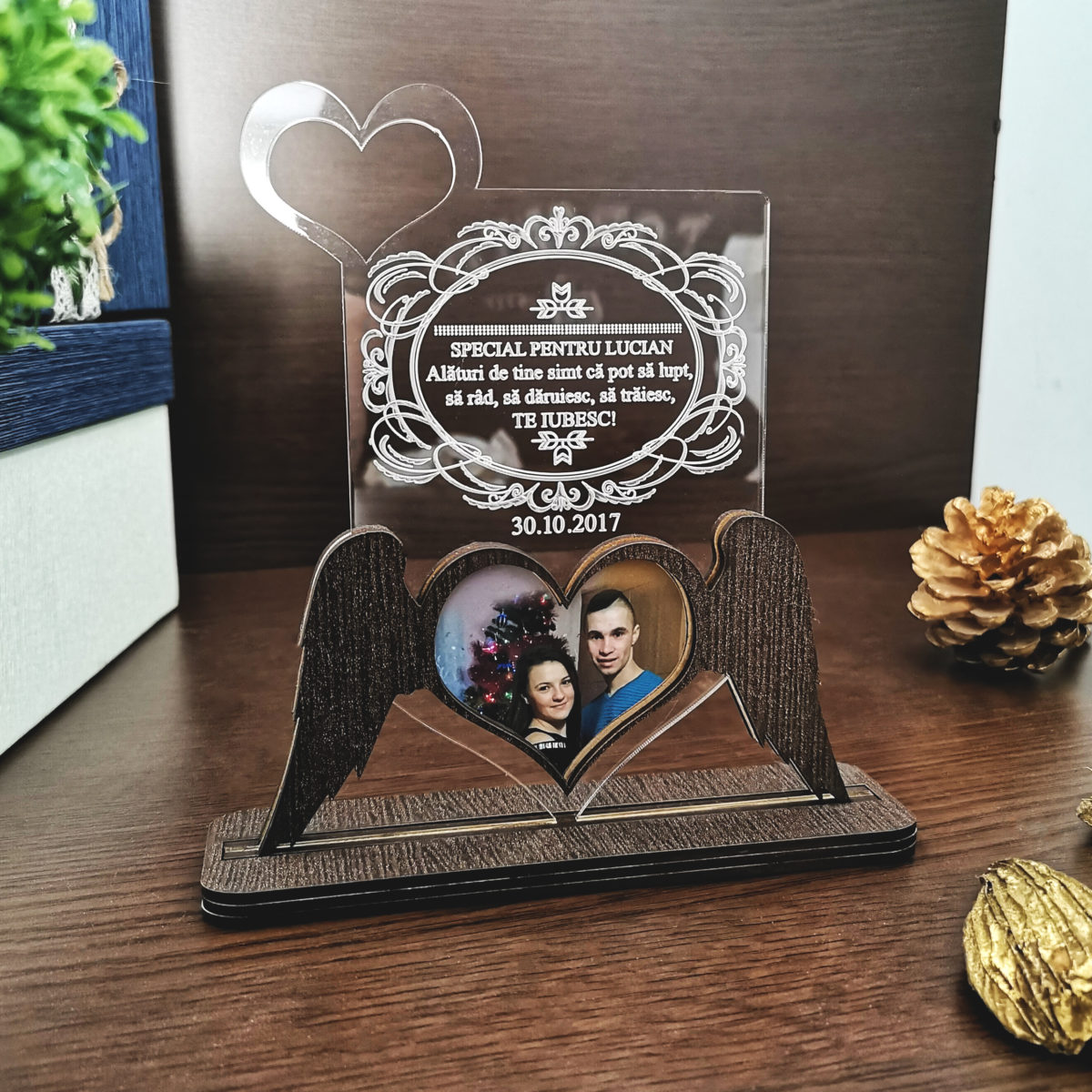 Cadou personalizat Trofeu - Aripi de iubire - Poza