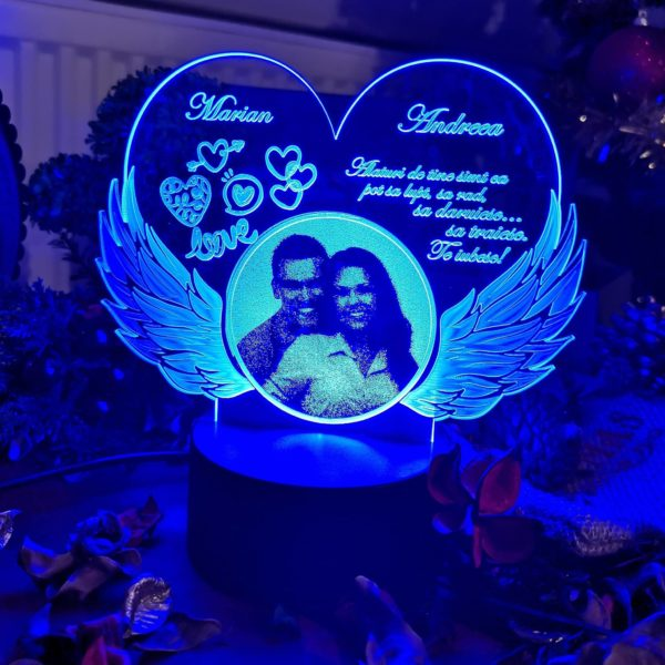 Cadou personalizat Trofeu LED pentru indragostiti cu fotogravare