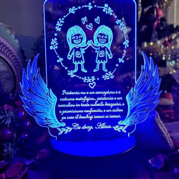 Cadou personalizat Trofeu LED pentru Prieteni -  Model 1