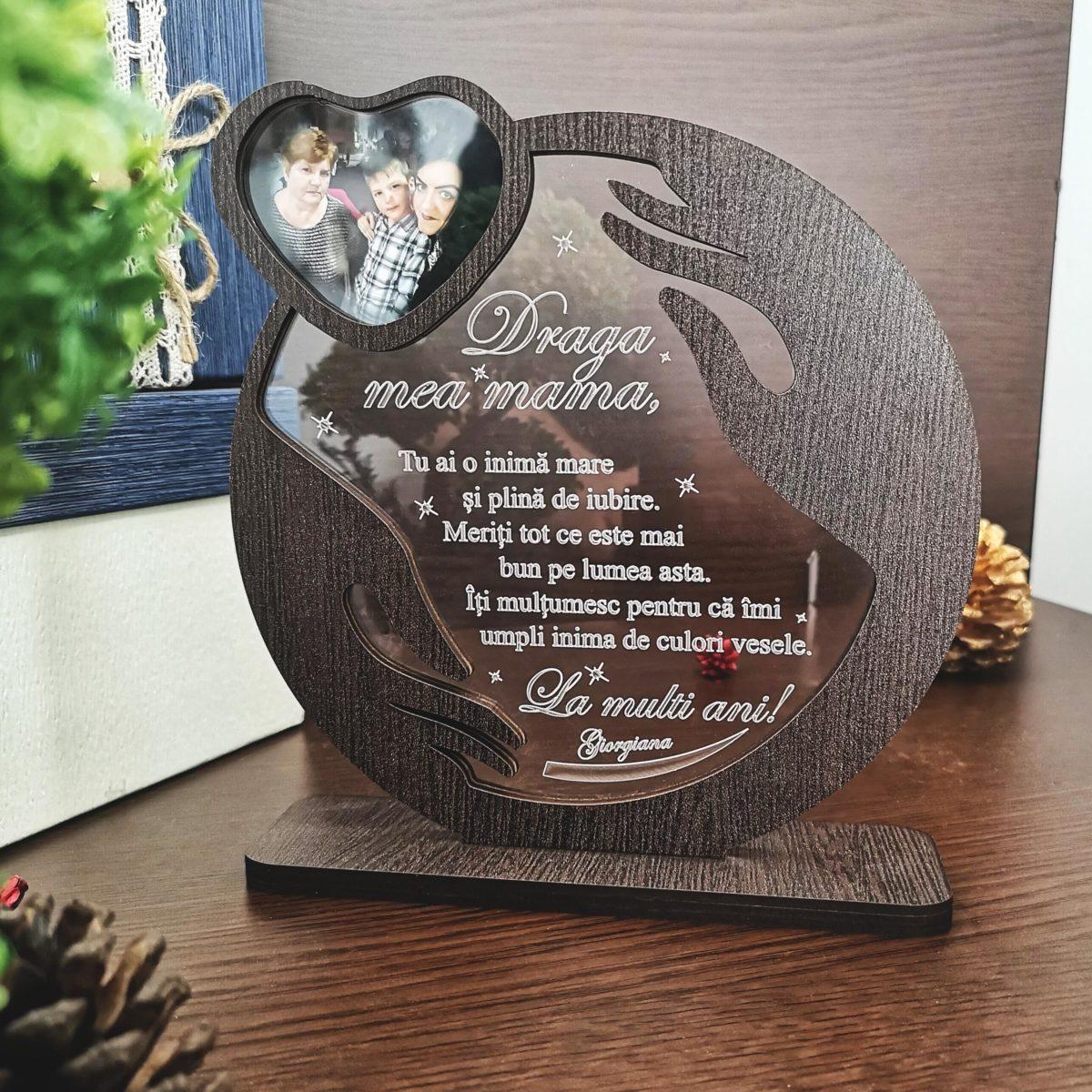 Cadou personalizat Trofeu - Imbratisarea mamei