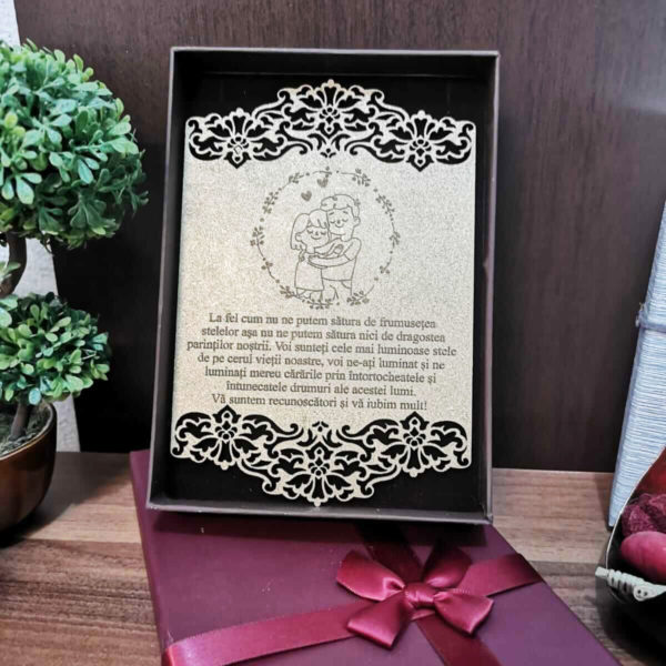 Felicitare din lemn personalizata pentru parinti