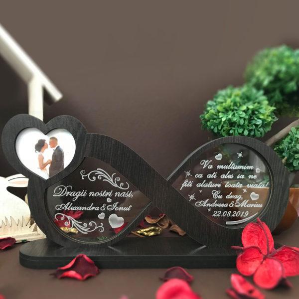 Cadou personalizat Trofeu pentru nasi - Iubire infinita