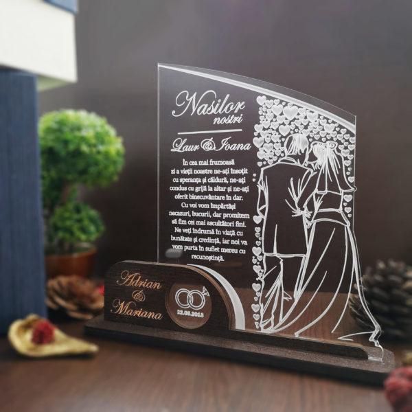 Cadou personalizat Trofeu pentru nasi - Sarutare